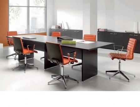 Mesa de reuniones New Pano Recta de Ofitres vista diagonal.