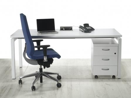Mesa de Oficina Económica patas de metal Blanca