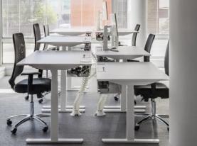 Mesa para oficina con mecanismo elevable LOG IN. Officinca