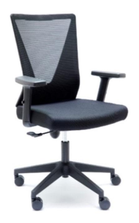 Silla de Oficina Tirana Negra. La inclinación del respaldo se adapta en función del peso y movimiento del usuario.