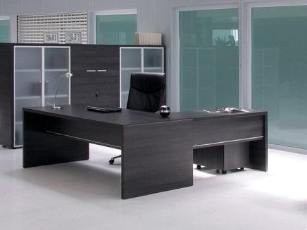 Mesa  de oficina direccional Pannel con ala