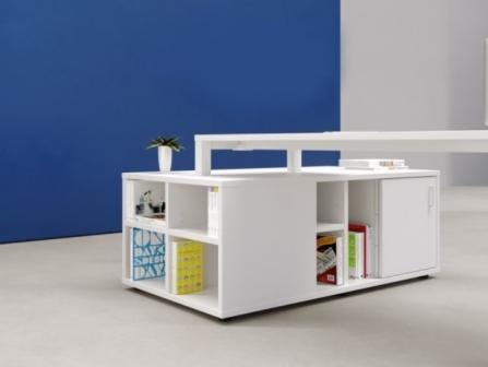Mueble de almacenaje triple para escritorio