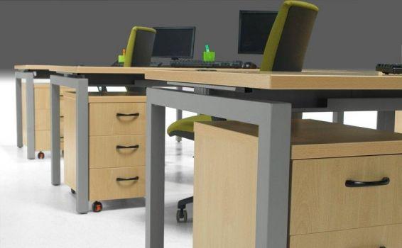Mesa recta escritorio Euro de Euromof 5000 vista de bandeja cableable