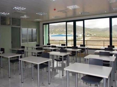 Mesa de formación para aulas vista general