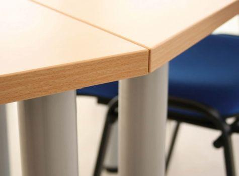 Mesa para aula de formación trapezoidal detalle